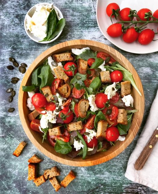 Brot Salat Caprese