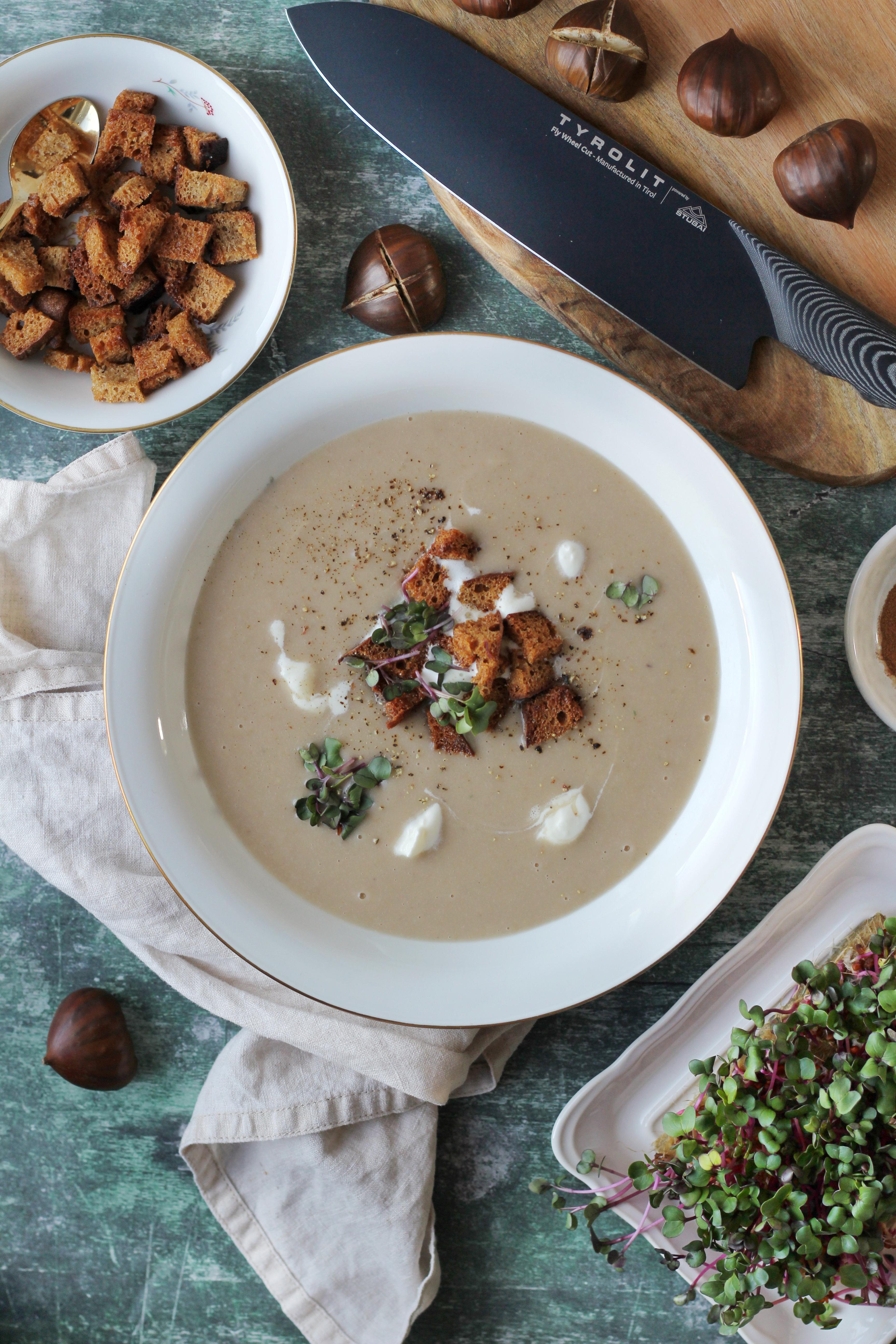 Seelenwärmer - Suppenrezepte für Herbst und Winter  cover image