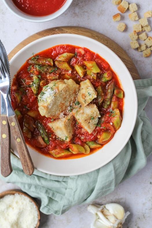 Semmelknödel Spargel Tomatenragout