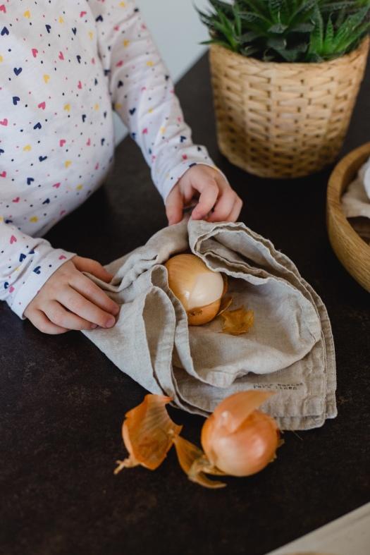 Eier färben mit Kindern