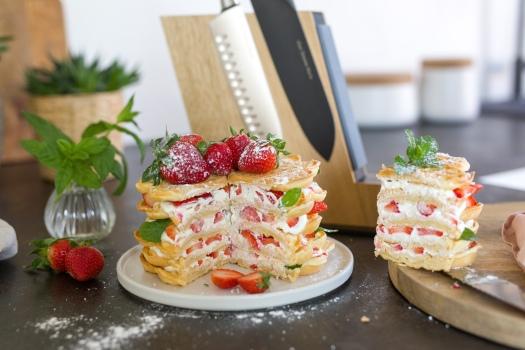 Erdbeer Joghurt Waffeltorte
