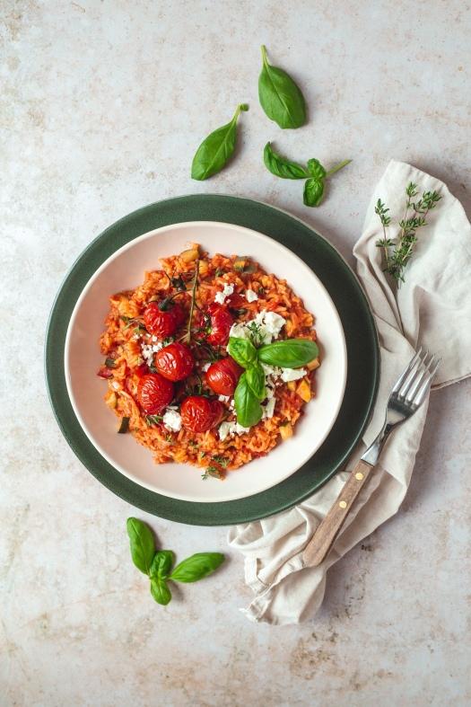 Tomaten Zucchini Eintopf mit feta Käse